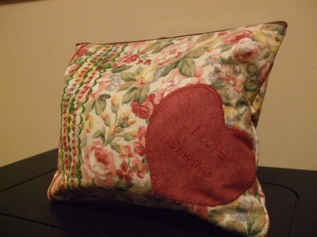 Applique, decorative stitching and more  - IDEAS FOR EMBELLISHING THOSE BAGS YOU ARE BUSY SEWING!!!!